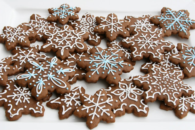 Picture courtesy of Glorious Treat's blog - gingerbread cookies